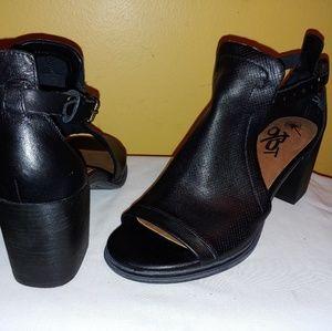 OTBT Women's Metaphor Heeled Sandals